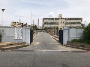長瀬墓地(東大阪市)の入り口