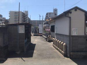 東大阪市御厨墓地の入り口