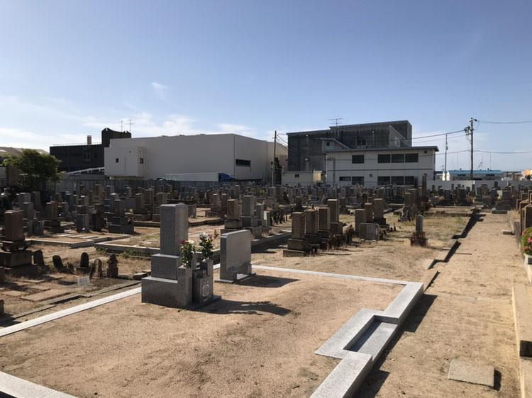 神戸市兵庫区にあります共同墓地 高松墓地の管理棟が6/1より通常運営再開します
