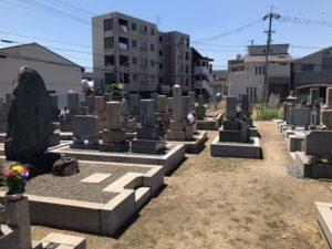 東大阪市今米墓地の風景