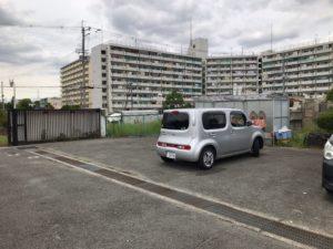 荒本墓地の駐車場