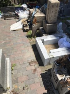 足代墓地でのお墓の工事