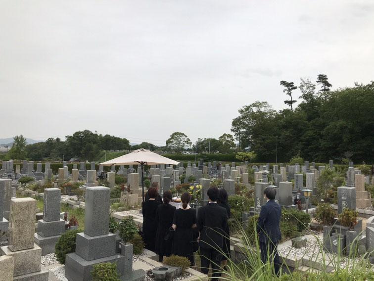 神戸市立鵯越墓園にて納骨式