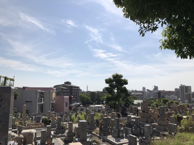 長田神社のすぐそば。街中の人気の共同墓地「長田墓地」