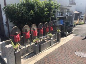 稲田墓地の六地蔵