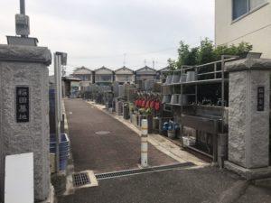 稲田墓地の入り口