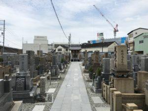 稗島霊園(大阪市西淀川区)の通路