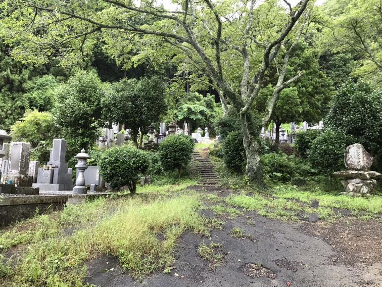 上郡町赤松にある赤松墓地