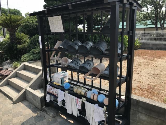 妙榮寺(明石市)のバケツ置き場