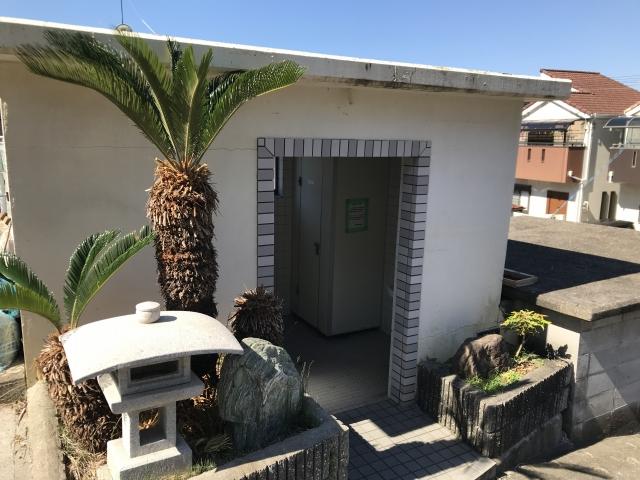 神戸市垂水区にある共同墓地 乙木墓地のお墓のトイレ