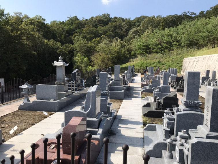 薬師寺霊園(三木市)の墓地風景11
