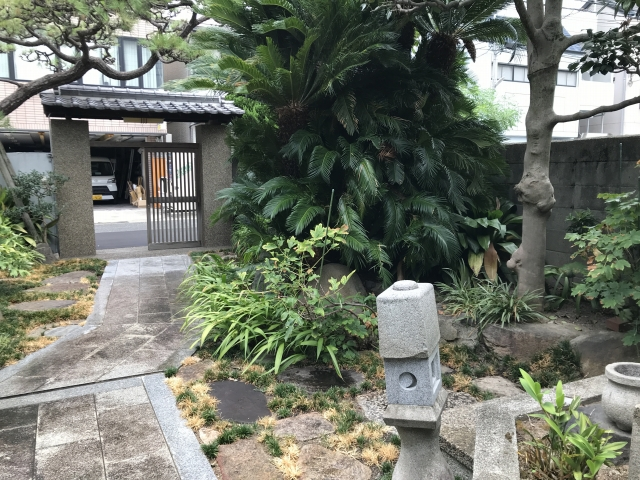 厚福寺(神戸市須磨区)の植山道