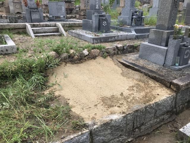三条墓地(芦屋市)の空き区画