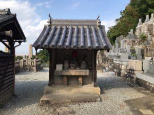 横小路墓地(東大阪市)のお墓