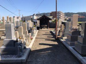 深野谷川共同墓地(大東市)のお墓