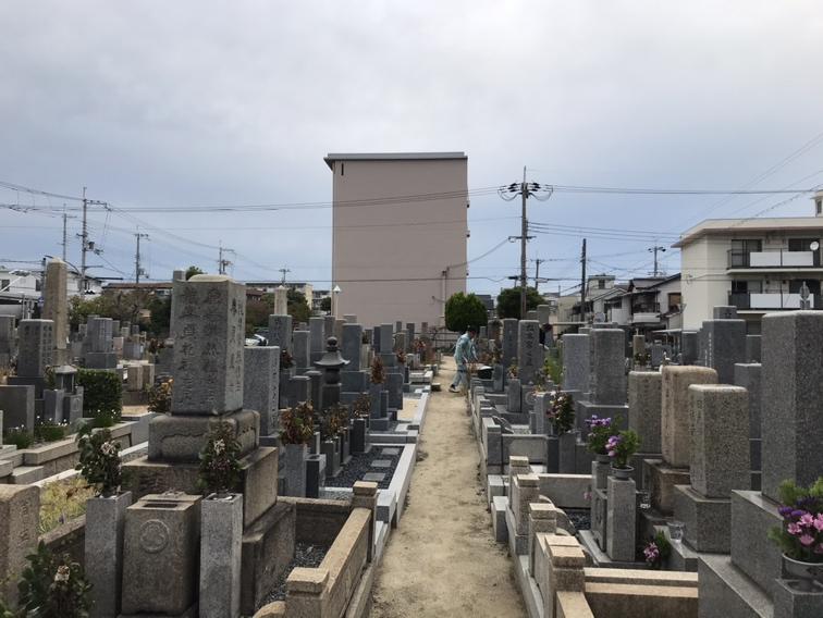 稲葉荘共同墓地(尼崎市)の風景