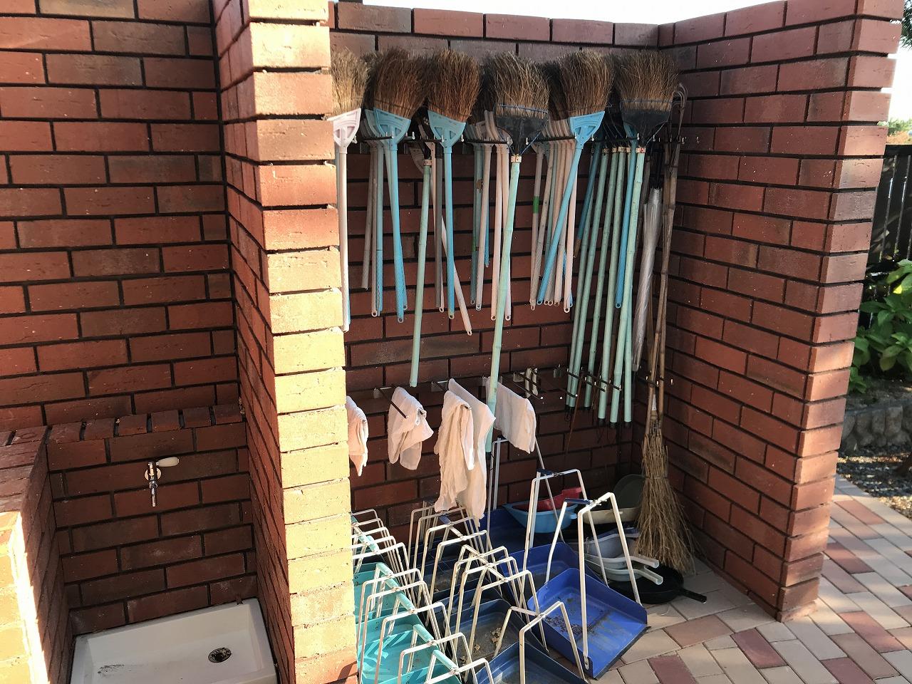 石屋墓園(神戸市東灘区)の用具置き場