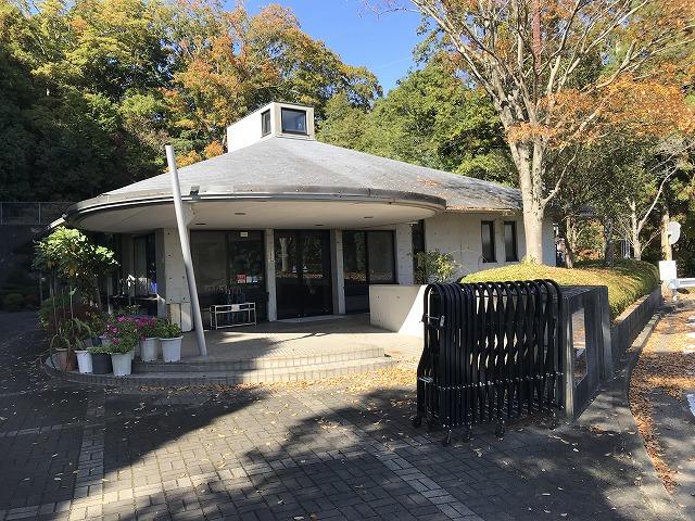 川西公営霊園(川西市)の管理事務所