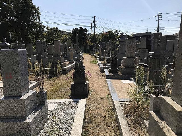 滑墓地(神戸市垂水区)の様子