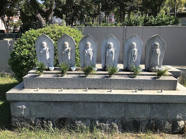滑墓地(神戸市垂水区)の六地蔵さん
