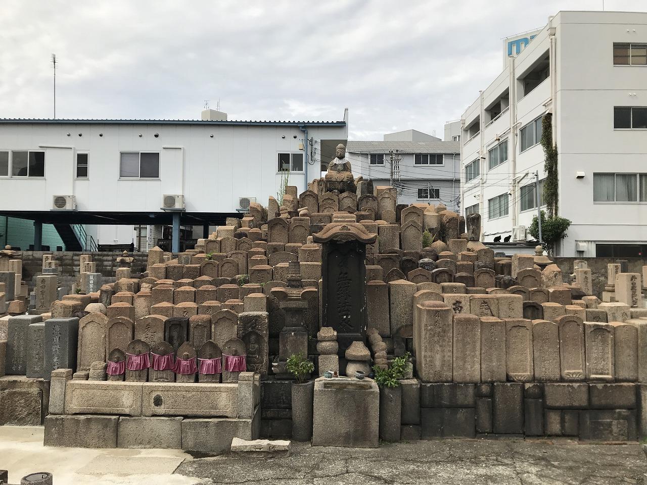能福寺(神戸市兵庫区)の無縁塚