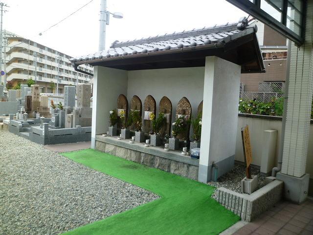 戸ノ内墓地(尼崎市)の六地蔵さん
