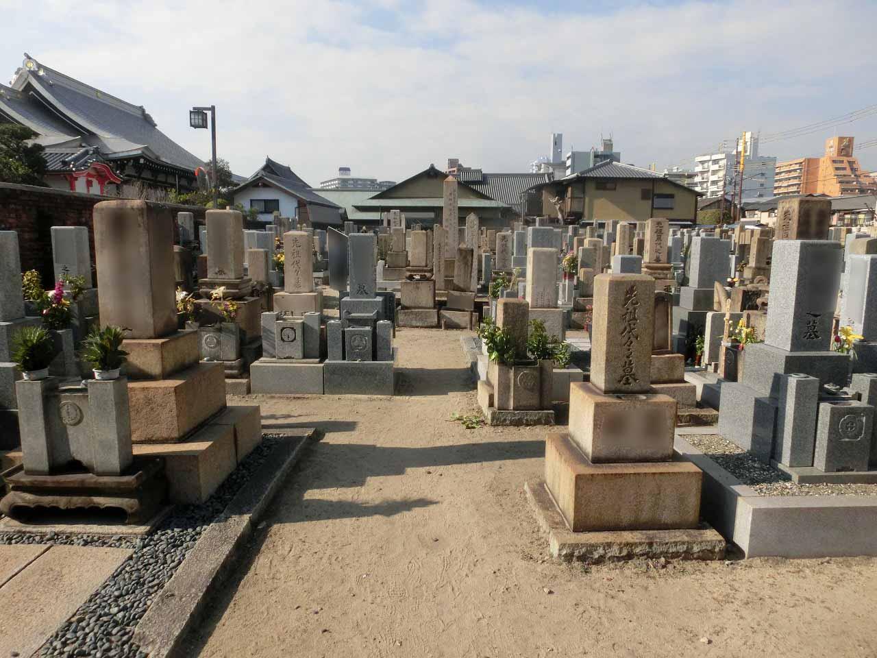 善通寺境内墓地(尼崎市)の様子