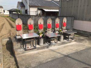 小寺墓地は堺市美原区にある共同墓地です。