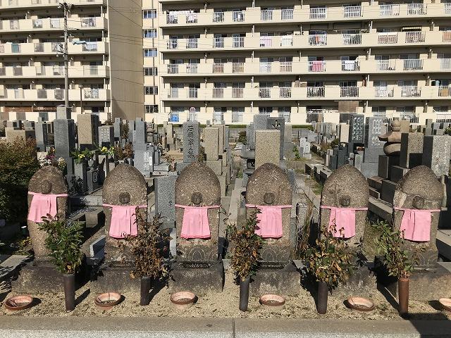 本庄墓地(神戸市東灘区)の六地蔵さん