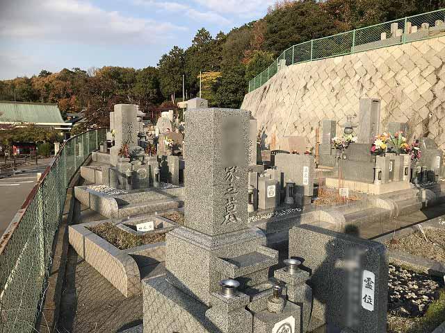 慶明寺花岡霊園(神戸市西区)のお墓の様子