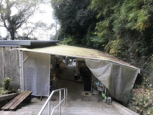 神戸市営追谷墓園(神戸市中央区)の用具置き場