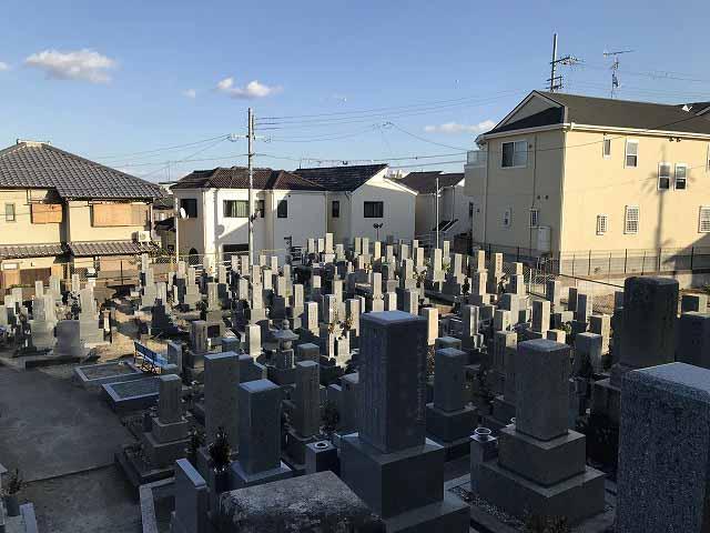 栄根霊園(川西市)のお墓の様子