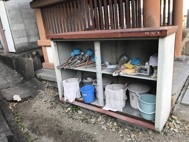栄根霊園(川西市)のお参り用具置き場