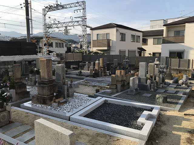 鹿塩村・東蔵人村共同墓地の空き区画