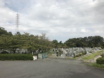 舞子墓園で墓石の彫刻