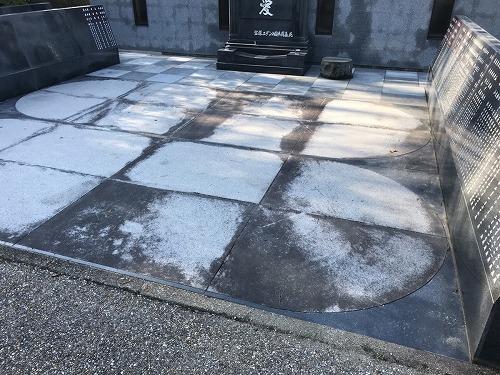 宝塚すみれ墓苑で墓石の彫刻・洗浄