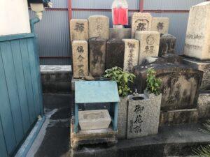 十三墓地(大阪市淀川区)のお墓