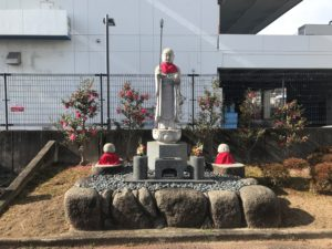 丑寅墓地(茨木市)のお墓