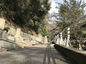 追谷墓園(神戸市中央区)急な坂