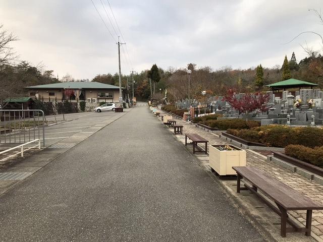 光明寺墓地公園(神戸市北区)の休憩所