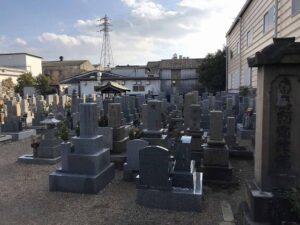 上坂部・森共同墓地の墓地の様子