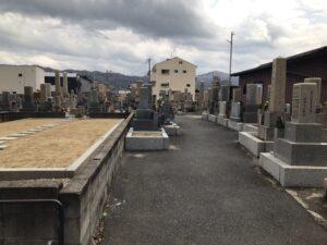 三箇墓地(大東市)のお墓