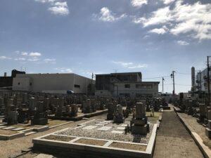 21.3.1_「お墓をキレイにしたい」とのご相談を受け、高松墓地(神戸市兵庫区)にお墓の確認に来ました。
