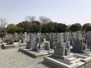21.3.29_戸ノ内墓地(尼崎市)にお客様をご案内。