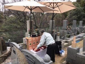 西宮市の鷲林寺さんで雨の納骨式。21.3.5