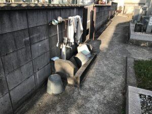 山川墓地(明石市)の掃除用具置き場