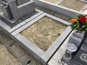 東諸福墓地(大東市)のお墓