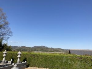 21.4.11_昌林寺さんにお墓の現地確認に来ました。快晴で気持ちいいです。