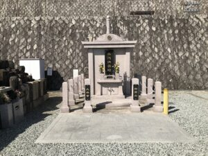 大林寺霊苑(宝塚市)の永代供養塔