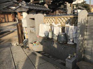福林寺(明石市)の用具置き場・水場